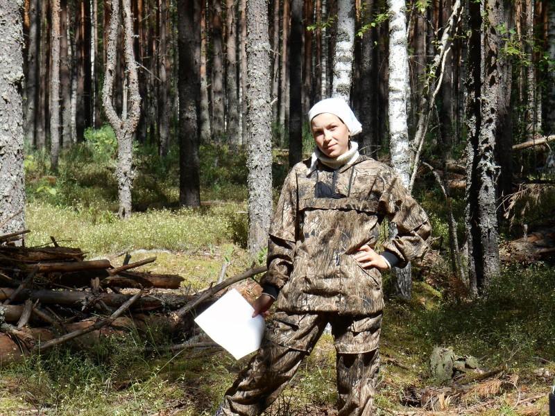 Учет захламленности лесных насаждений в охранной зоне. Фото Владыкиной М.