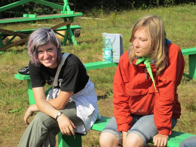 Волонтеры Люба Грунтова (Москва) и Катя Волкова (Екатеринбург)