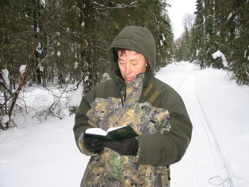 Научный сотрудник Рябов В.М. на ЗМУ. Фото Е.И. Харитонова