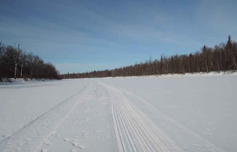 Озеро Черное. Здесь всю зиму  не ступала нога человека. Только звери и  -Бураны- госинспекторов. Фото Е.М.Тарасовой