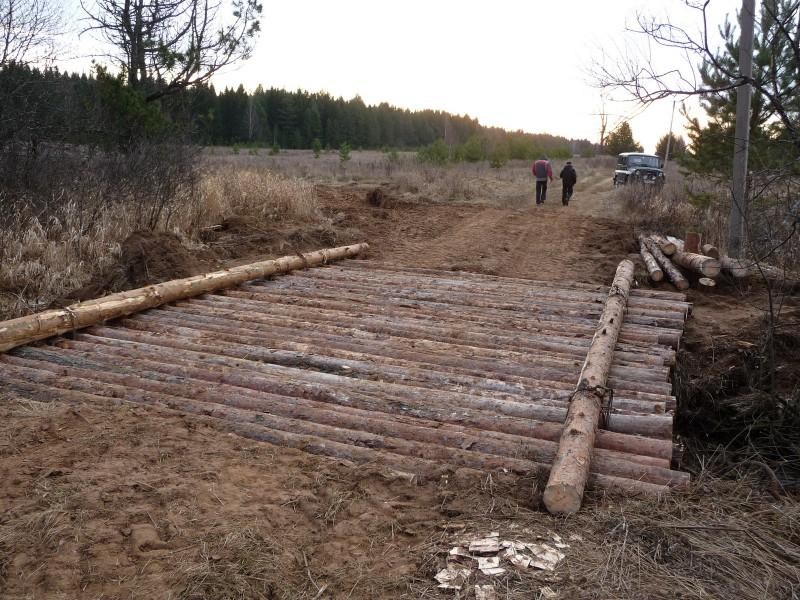 Новый мост на маршруте противопожарного патрулирования, построенный госинспекторами заповедника. Фото М.Ю.Кузьминых