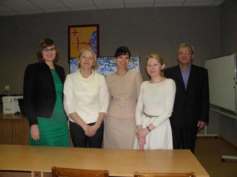 Создатель фильма о заказнике Пижемский В. Н. Кочуров и  участники съемок. Фото Л. Г. Целищевой