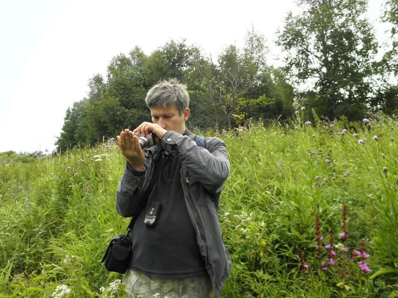 Ведущий научный сотрудник С. В. Пестов на полевых работах. Фото Л. Г. Целищевой