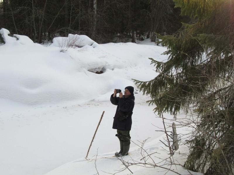 Орнитолог С. В. Бакка на учетах совиных. Фото Е. Г. Ситникова