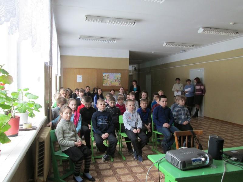 Школьники с. Боровка на мероприятии День птиц. Фото М. Н. Владыкиной