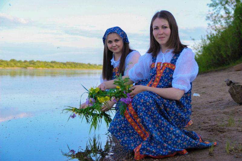 Купальские гадания. Фото Е. В. Князевой