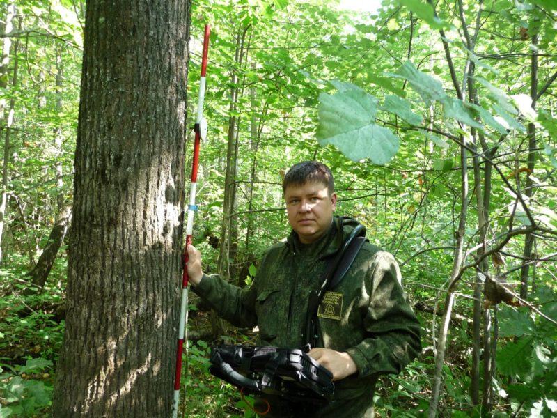 Главный специалист В. С. Ведерников. Фото М. Ю. Кузьминых