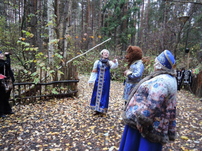 НП Нижняя Кама. Экскурсия по экотропе Волшебный лес. Фото Е. М. Тарасовой