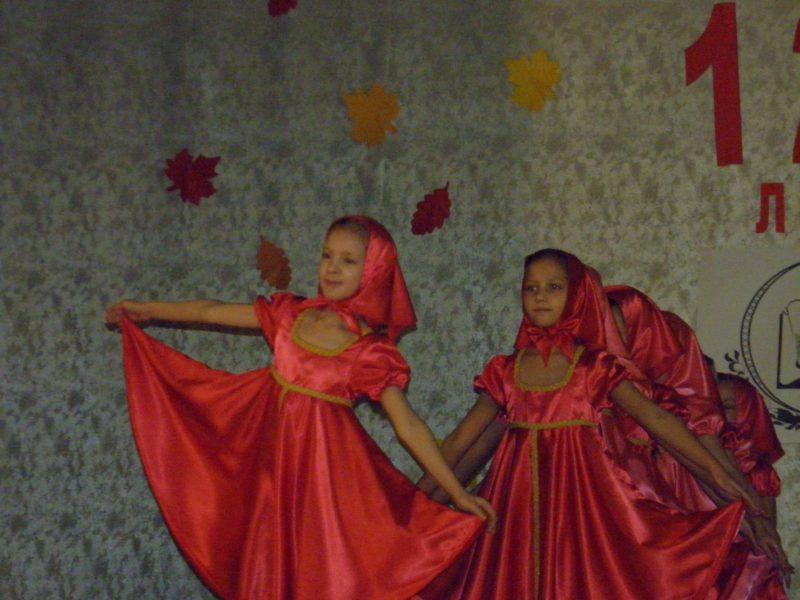 Танцевальный коллектив Ассорти. Фото Л. Г. Целищевой