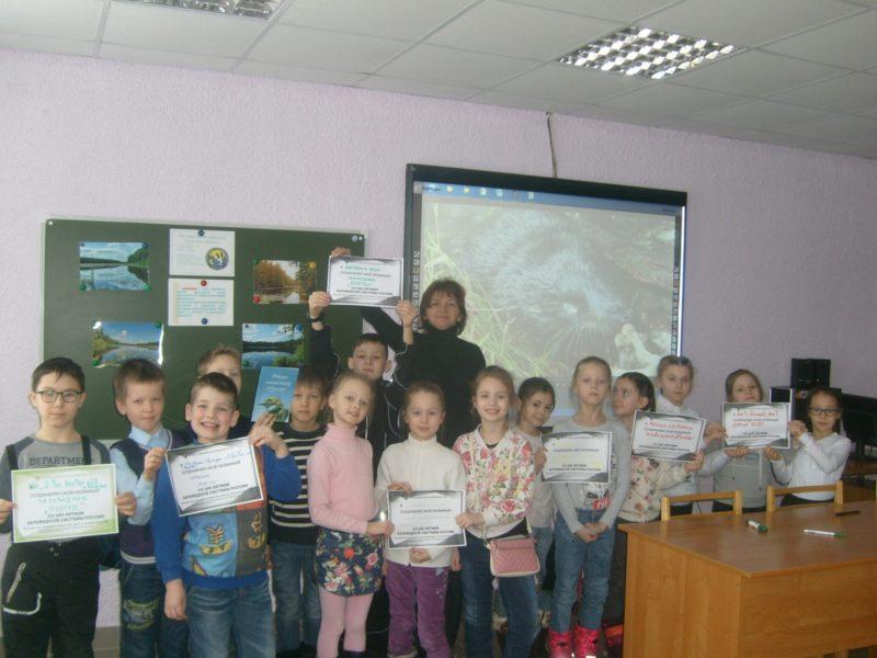 """Ученики 2 """"А"""" класса ЛИнТех №28 вместе с классным руководителем Эльвирой Равиловной"""