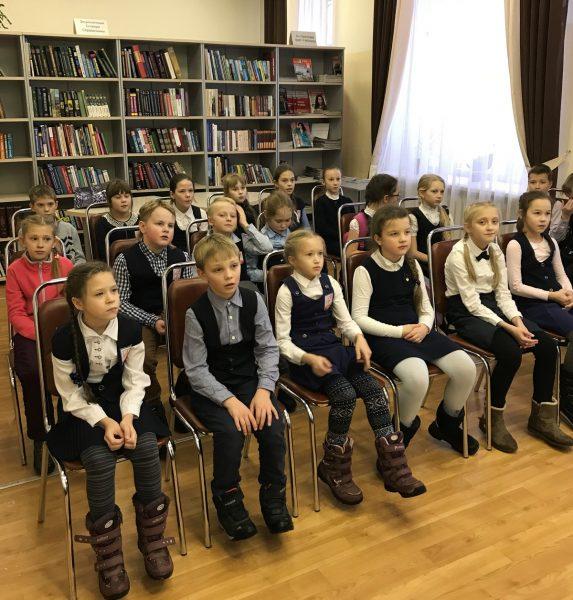 Школьники Лингвистической гимназии. Фото И.С. Пенкиной