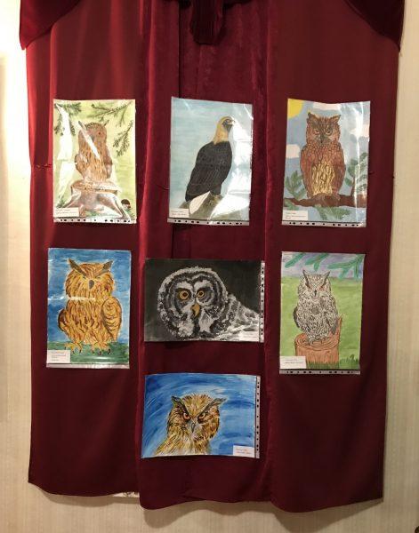 Рисунки на выставке. Фото И.С. Пенкиной