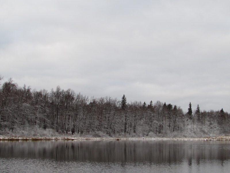 Отбор проб на оз. Нургуш в октябре. Фото Е.В. Рогожниковой