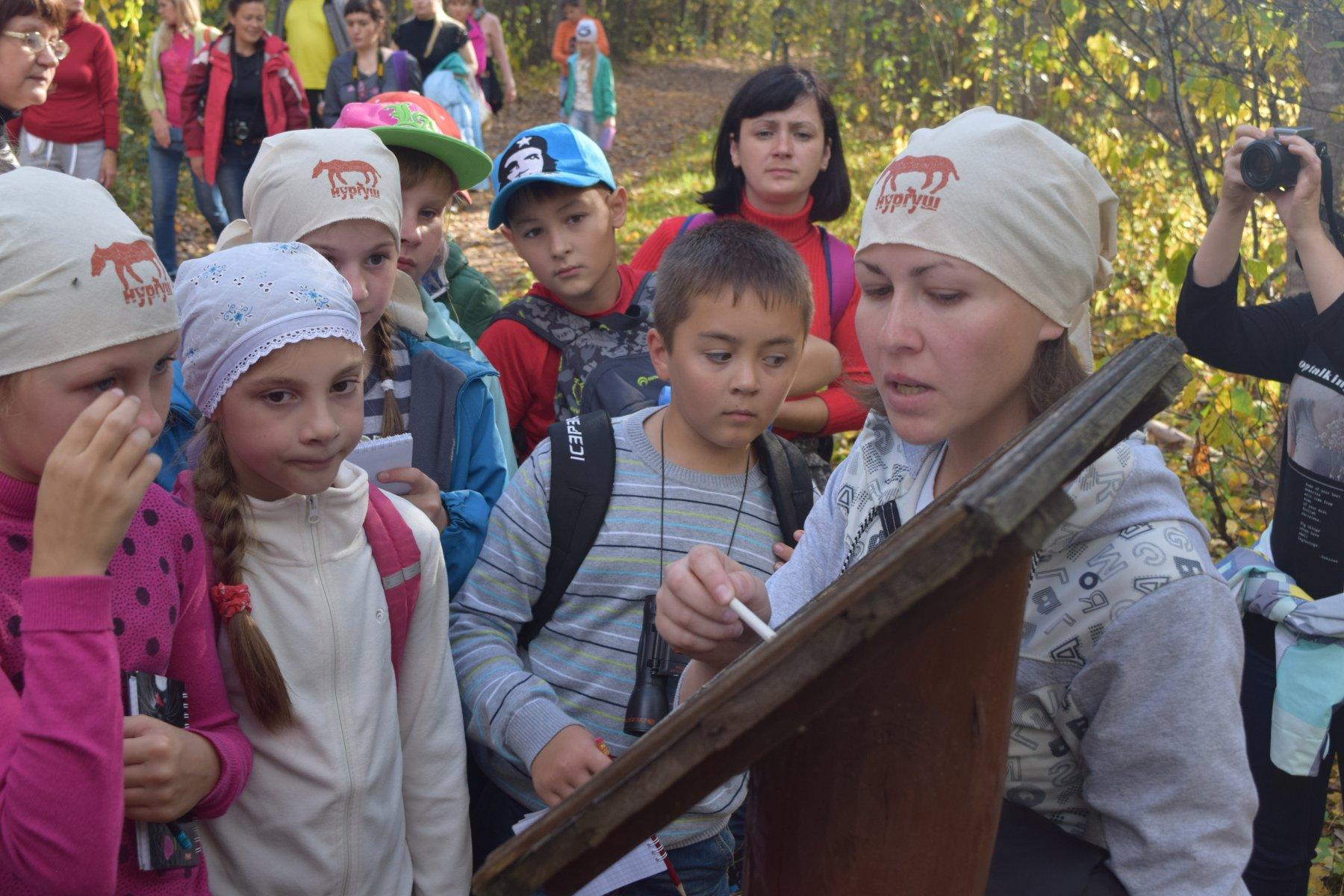 Экскурсия по экологической тропе Заячья поляна. Фото Е.В. Князевой